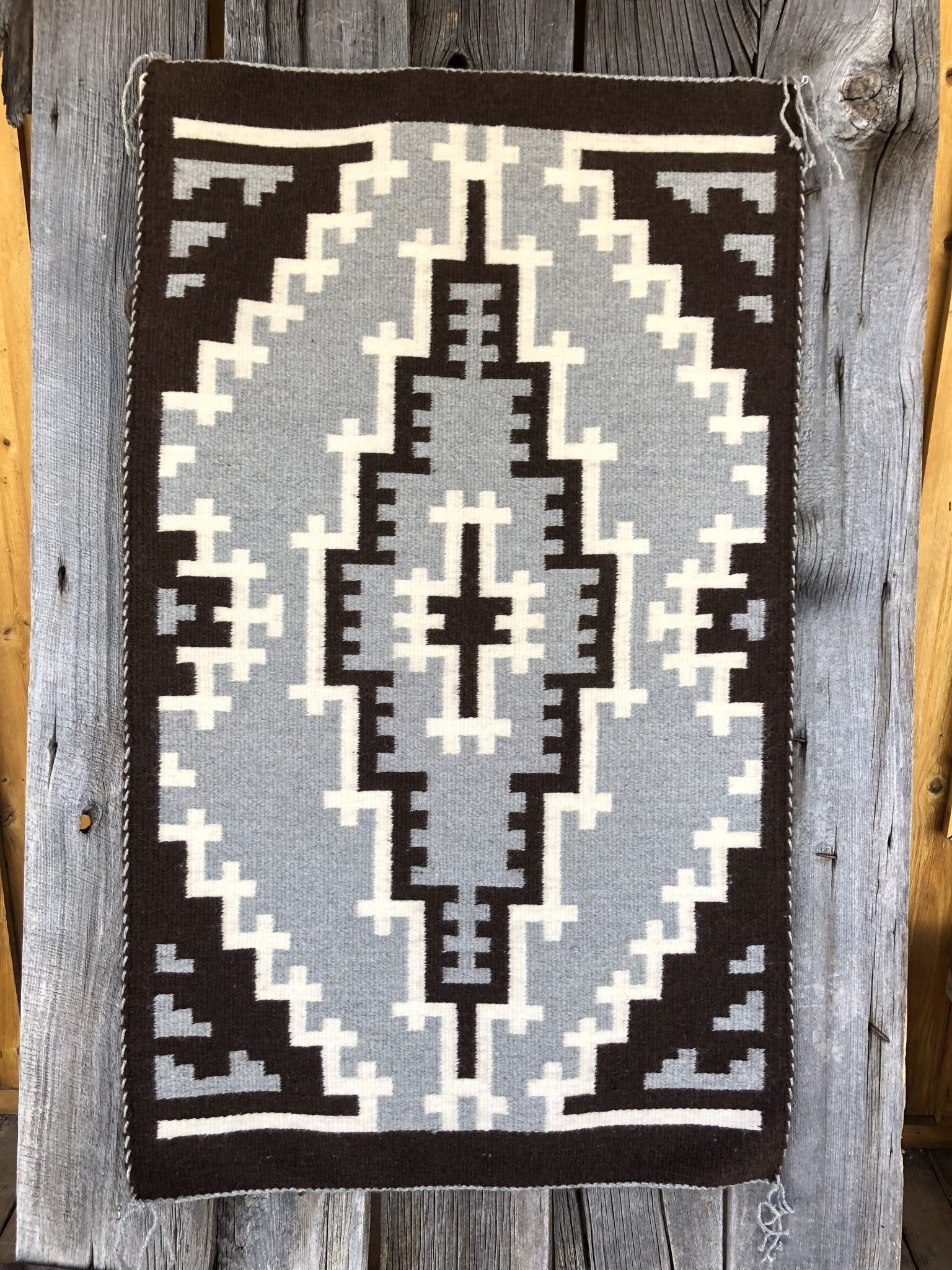 Genuine Navajo Rug Weaver: Ruth Henry Area: Two Grey Hills Size: 45